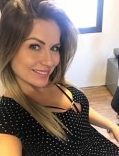 Amanda,<br> 40 y.o. from<br> USA