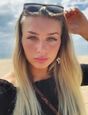 Lovisa larsson,<br> 34 y.o. from<br> UK